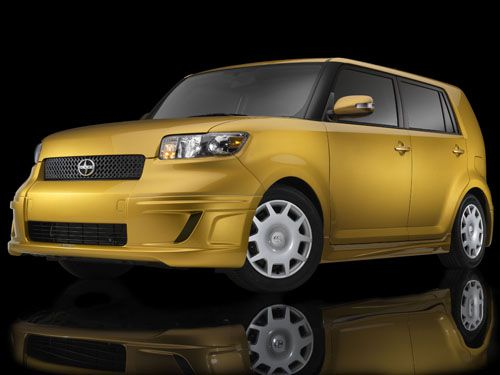 yellow 2008 Scion xB
