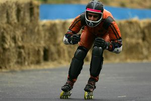 Inline roller skater