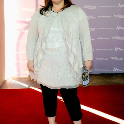 Melissa-McCarthy-in-cropped-pants
