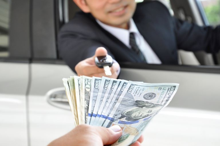 Selling a Used Car: Safe Ways to Accept Cash Payment