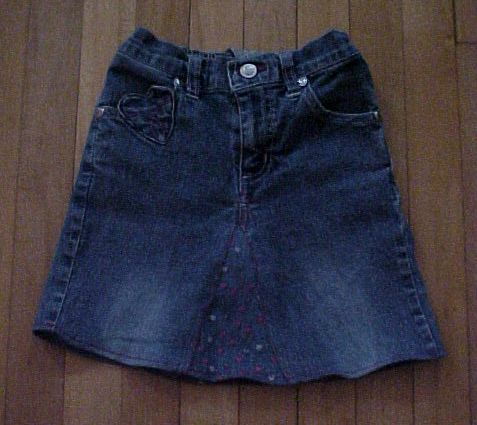 Turn Old Jeans Into A Cute Diy Denim Cut Off Skirt With No Sewing Nosew Clothes Fashion Howto