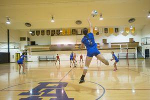 Volleyball jump serve