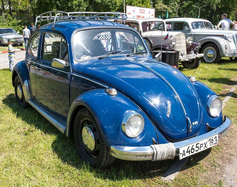 What Is a Volkswagen Beetle Vs a Super Beetle?
