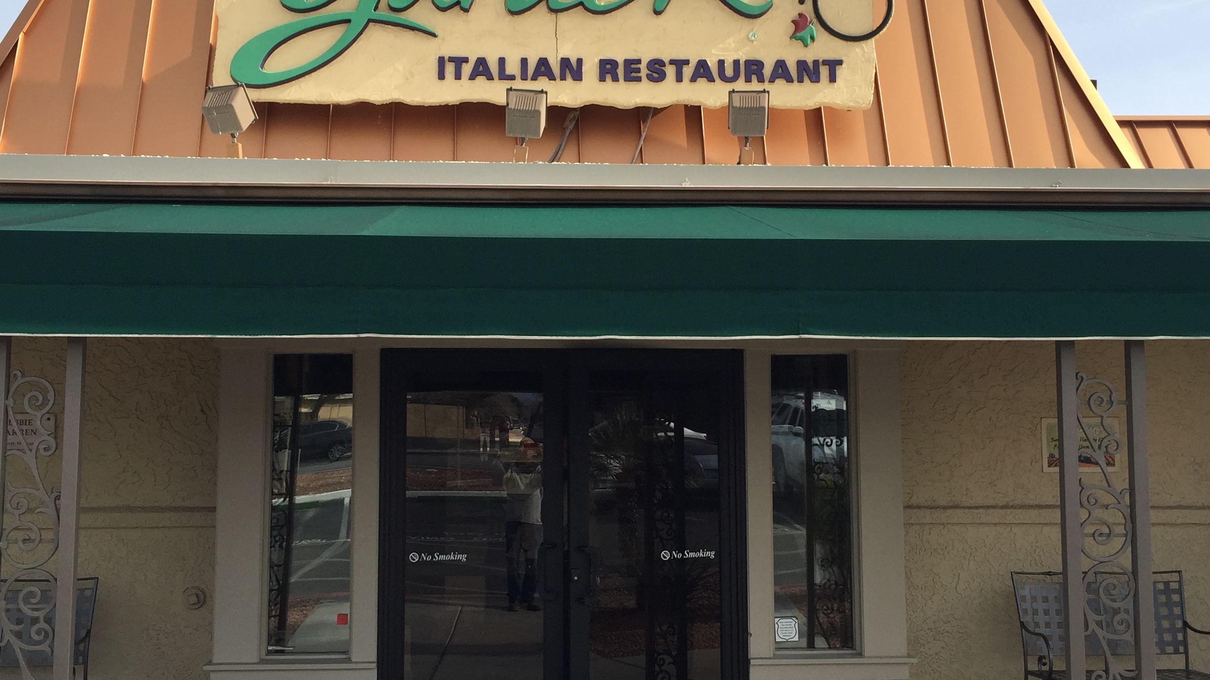 Diner Contracts Syphilis At Olive Garden Urban Legend