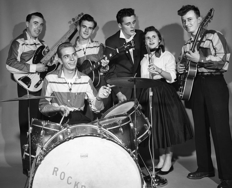 1950s SMILING TEENAGE SIX...