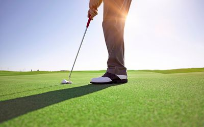 What Is a Long Putter in Golf Terms?