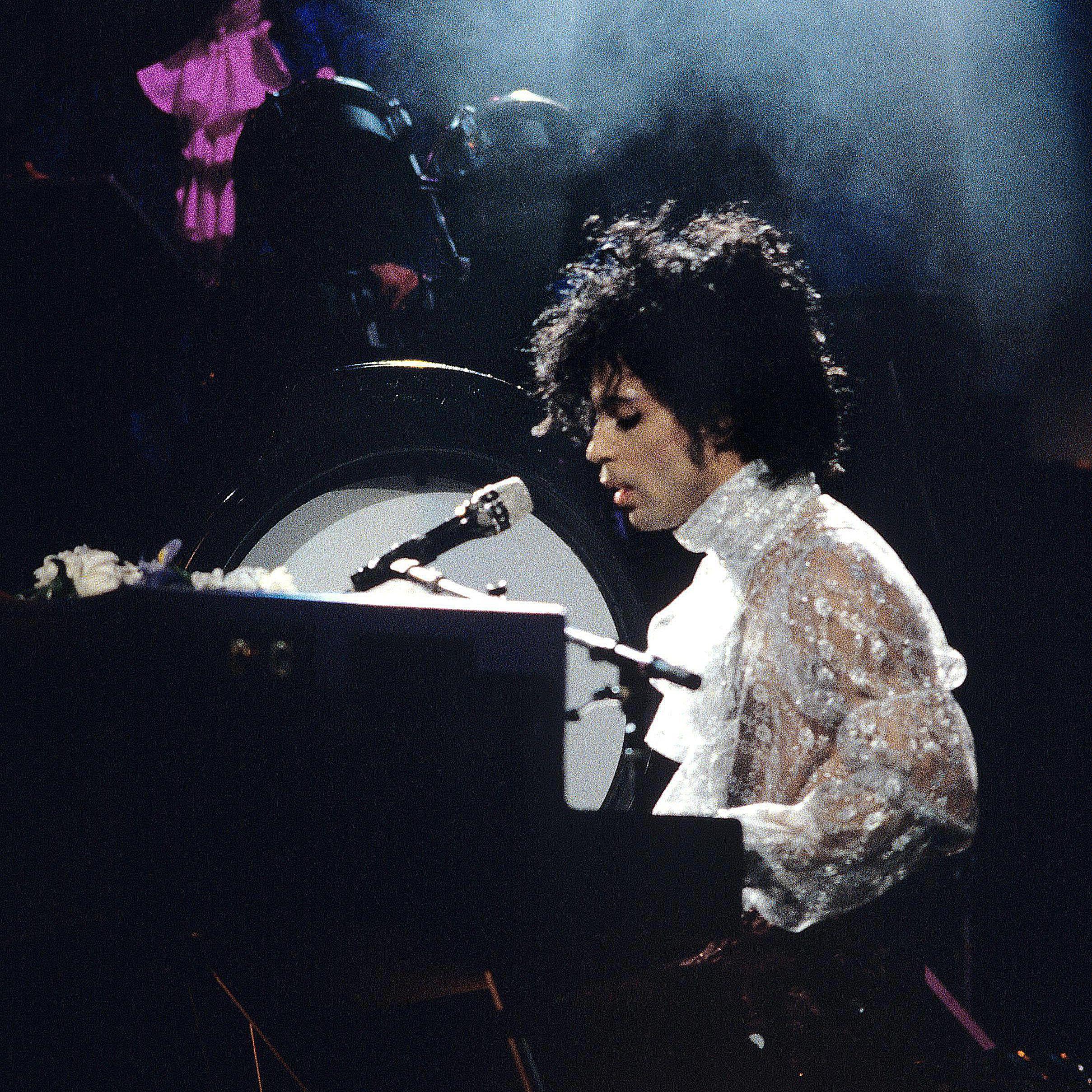 Remembering the Iconic 1984 Prince ''Purple Rain' Tour