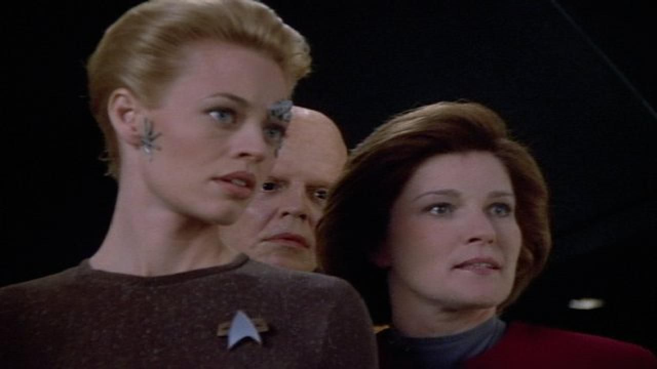 Seven of Nine and Captain Janeway
