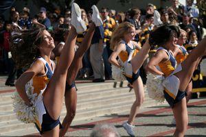 cheerleaders performing together