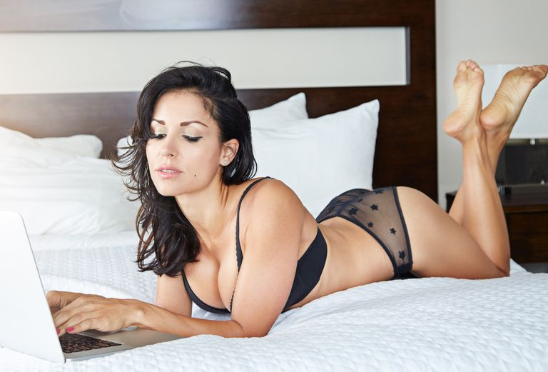 5faca5b43 How to Shop for Bras and Underwear Online