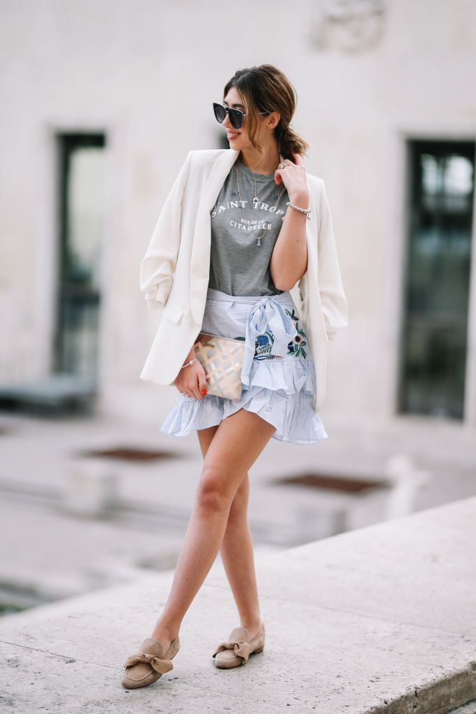 0144eb0b4d1 Boyfriend Blazer and Mini Skirt. Street style white ...
