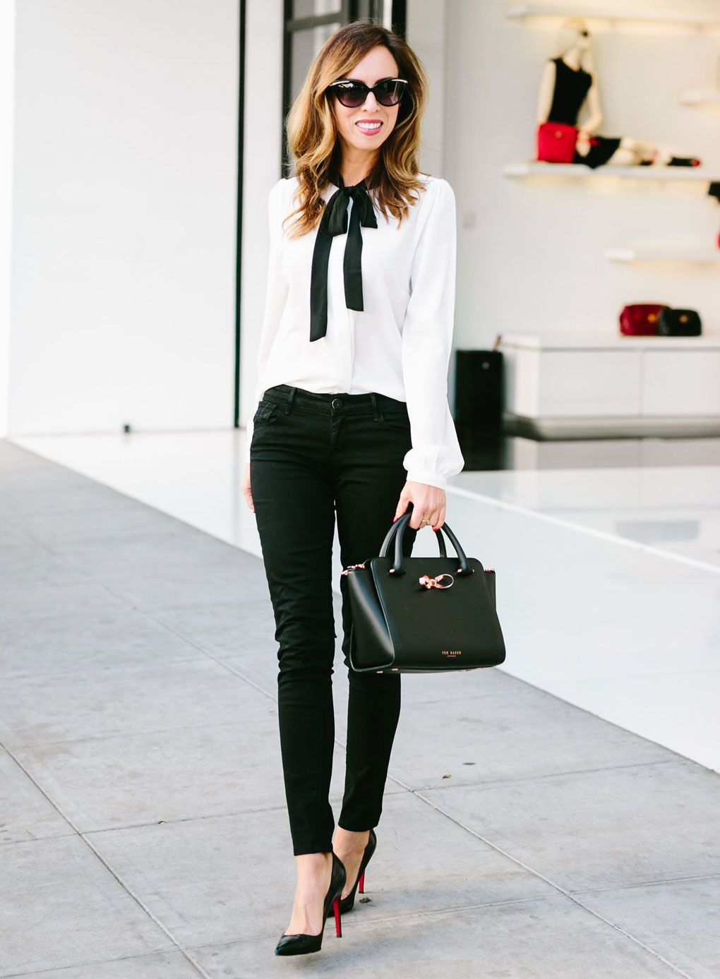 1b3938d382d5 How to Wear Skinny Jeans For Work To Look Polished