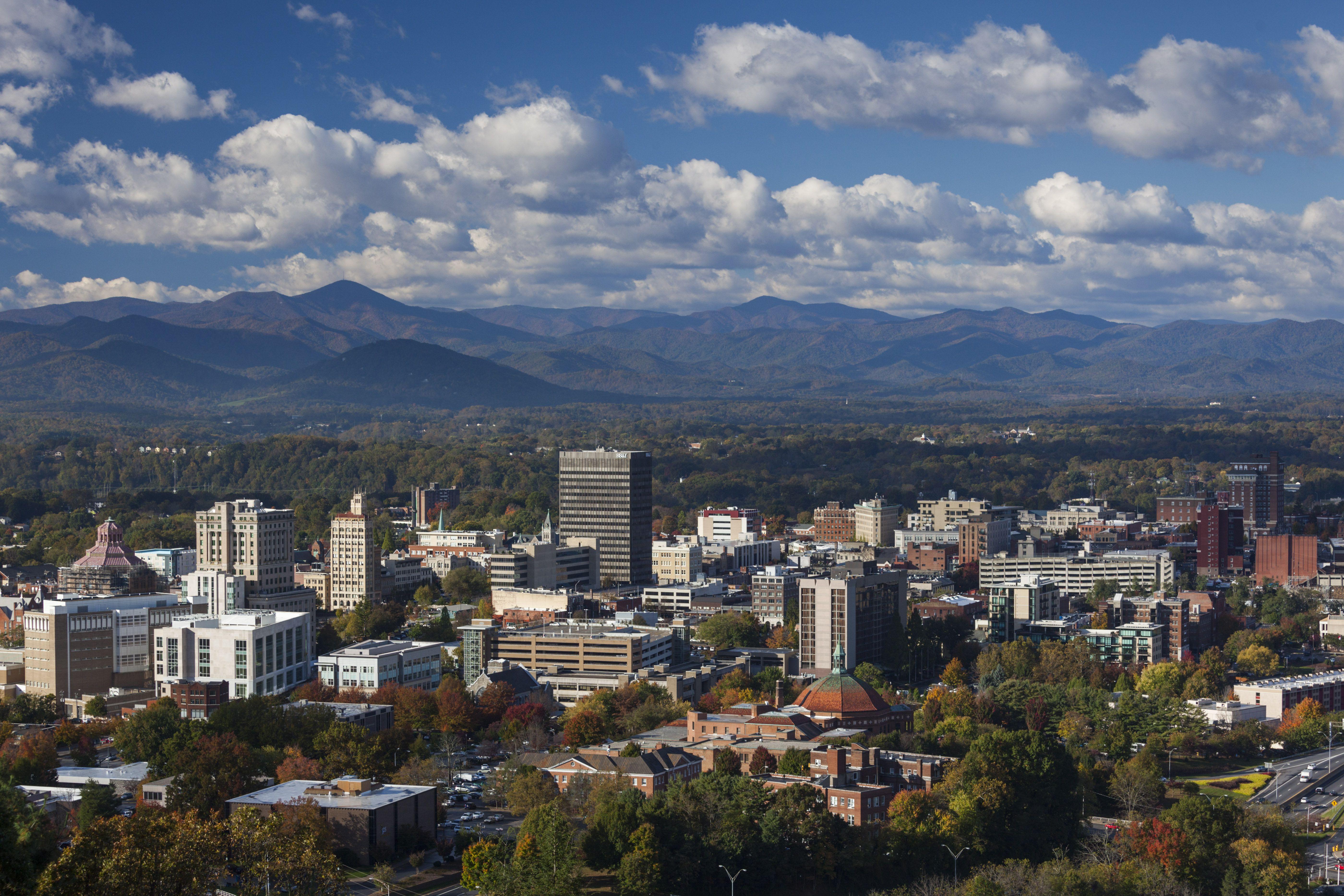 USA, North Carolina, Asheville, View of city on sunny day