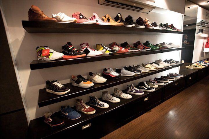 ec19d55e6f264c Sneaka Villa s first concept store opened its doors at the peak of the  sneaker boom in Thailand -- in February of 2006. With a mission to bring  the best ...