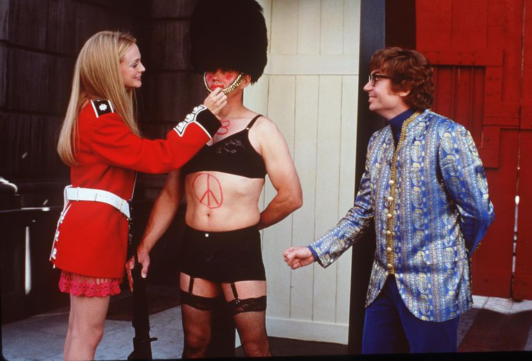Mike Myers and Heather Graham in Austin Powers The Spy Who Shagged Me