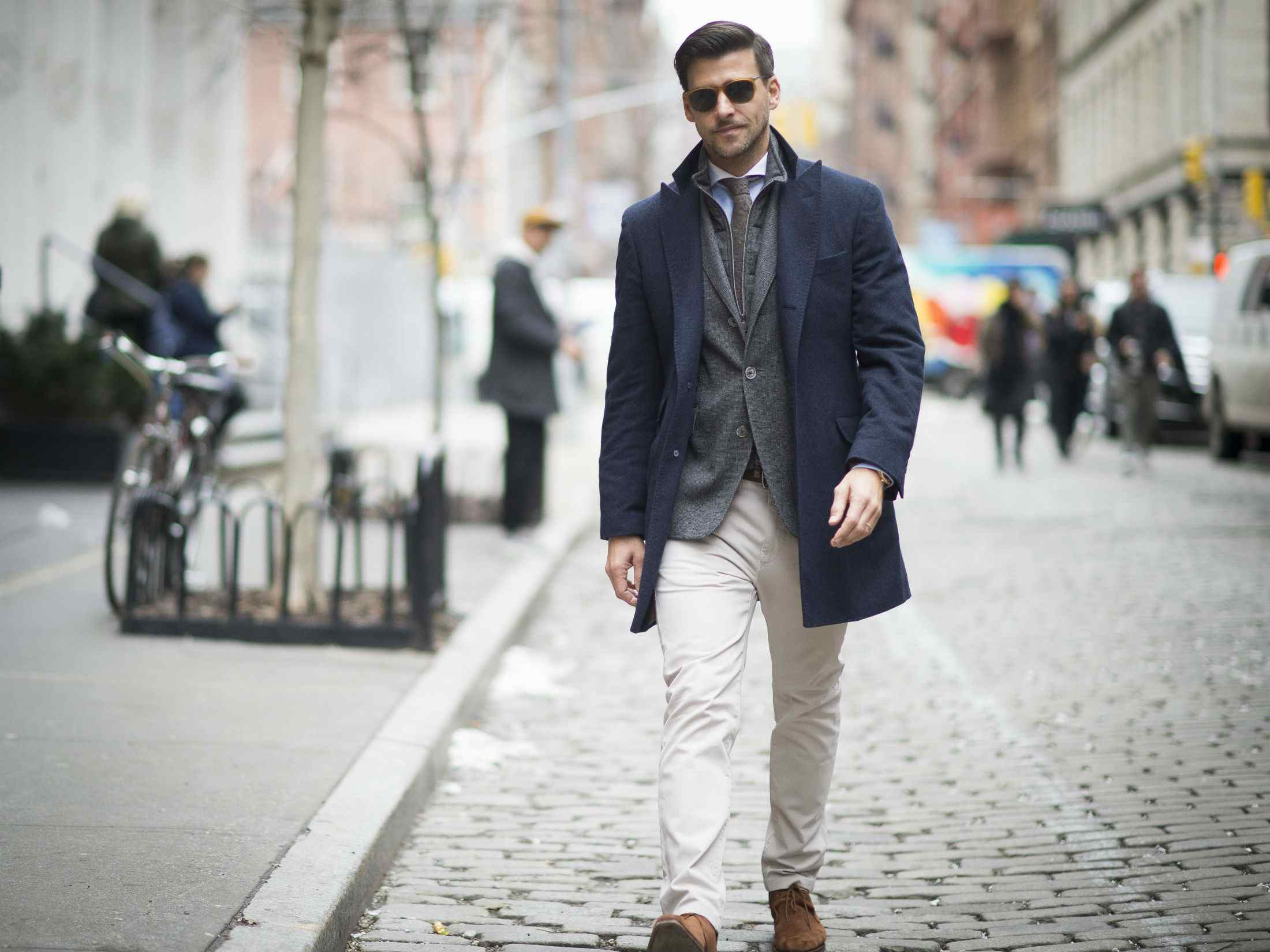 54f8647842 Men's Fashion Trend - How to Wear White Jeans for Men