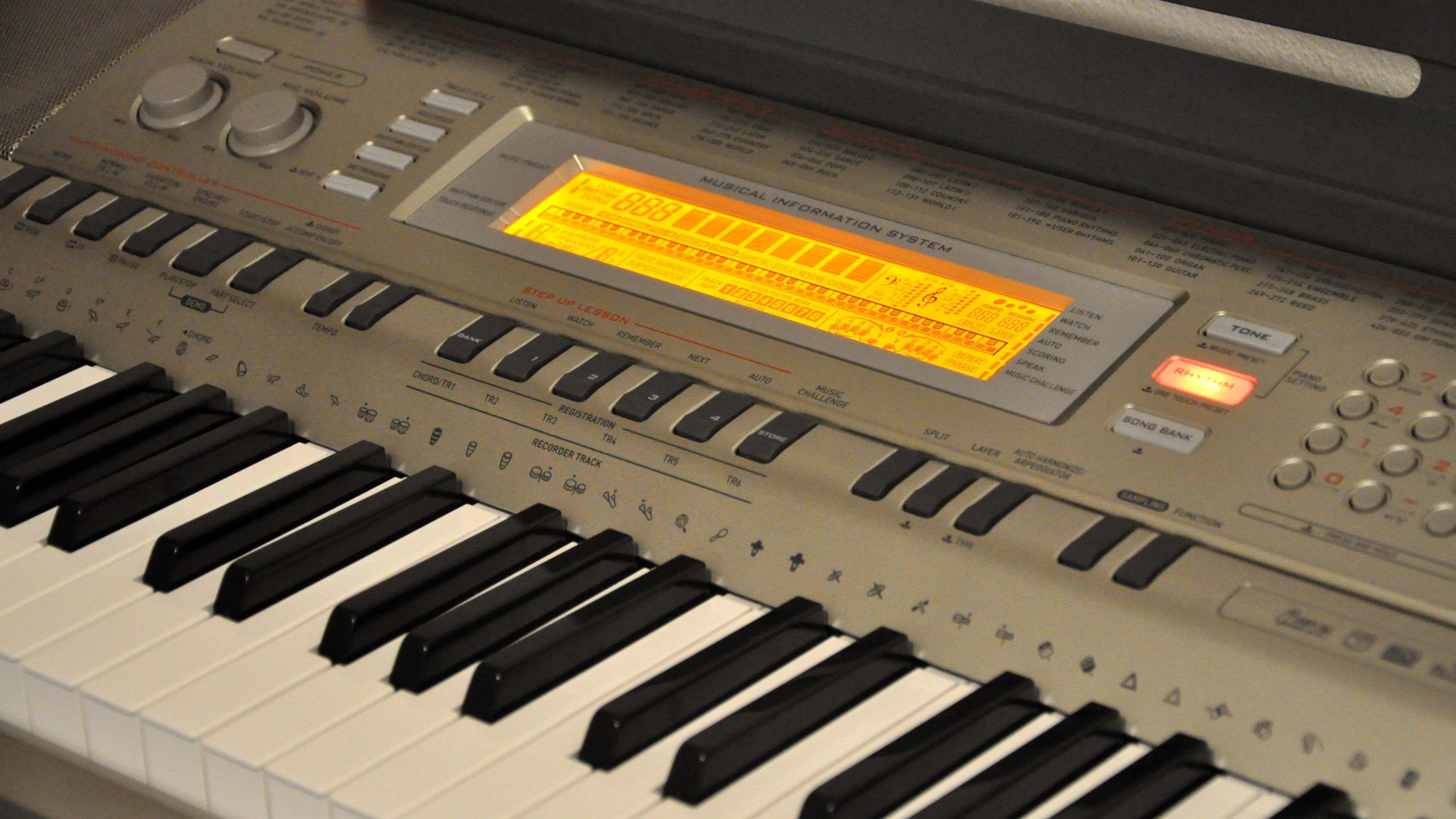 Review of the Casio WK-200 Keyboard