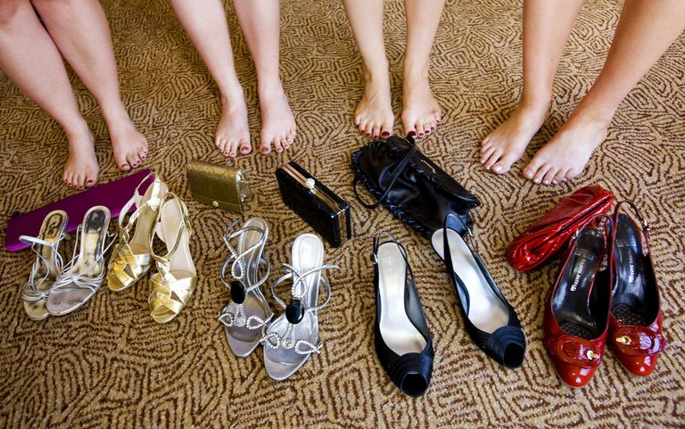42362d28aa5 How to Choose Evening Shoes