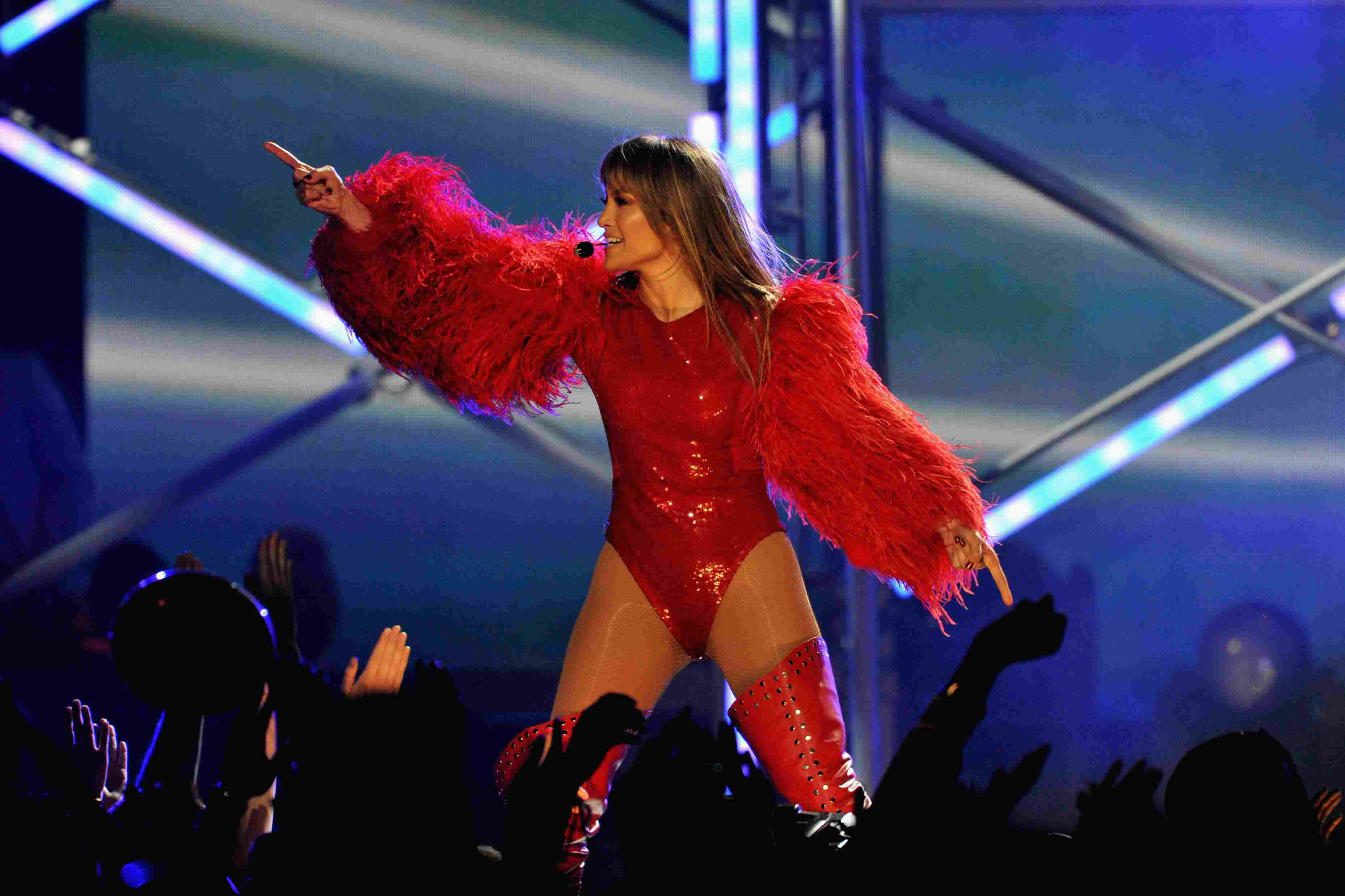 Jennifer Lopez performs onstage during the 2013 Billboard Music Awards