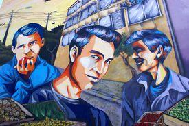 Los Prisioneros mural