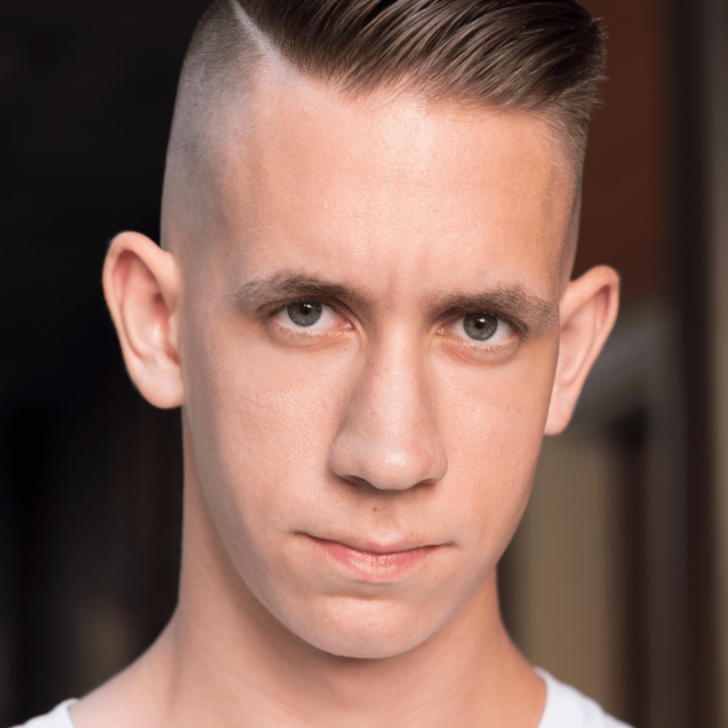 Men's Undercut Haircut