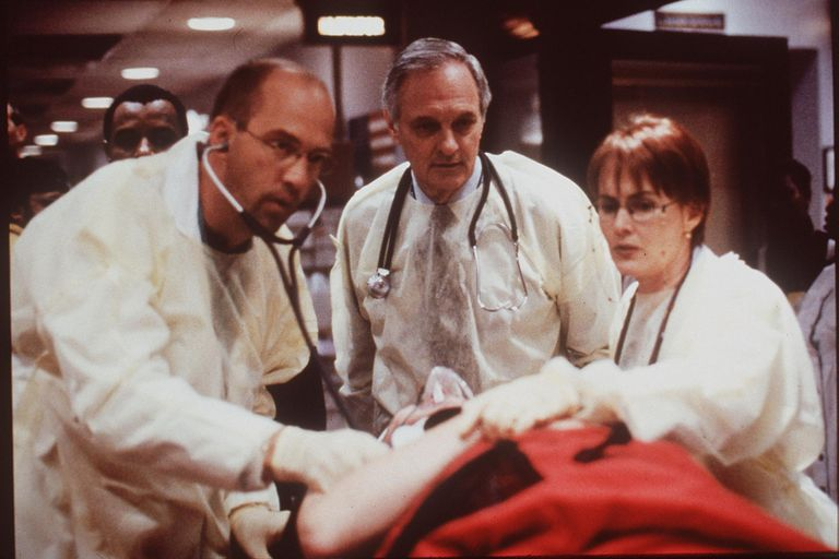 1999-2000 Anthony Edwards, Alan Alda, And Laura Innes In 'Er.' (Photo By Getty Images)