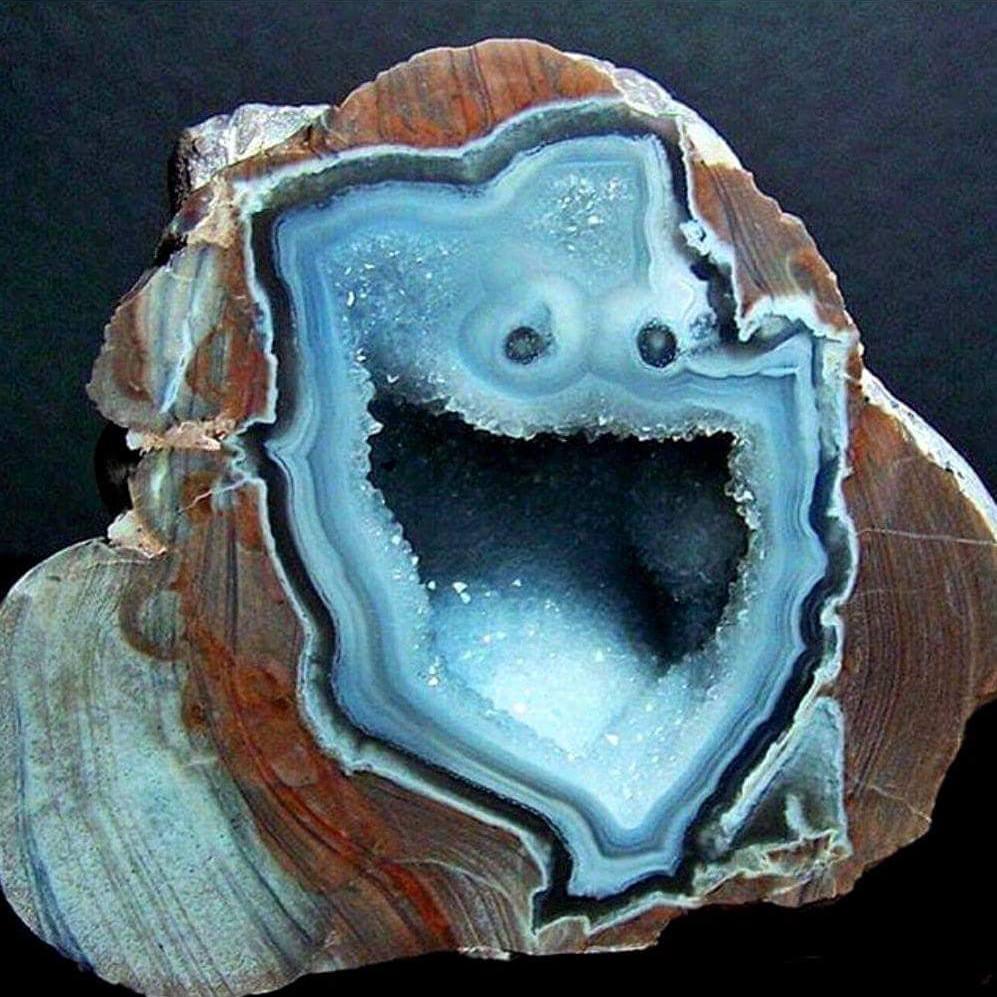 Cookie Monster looking geode