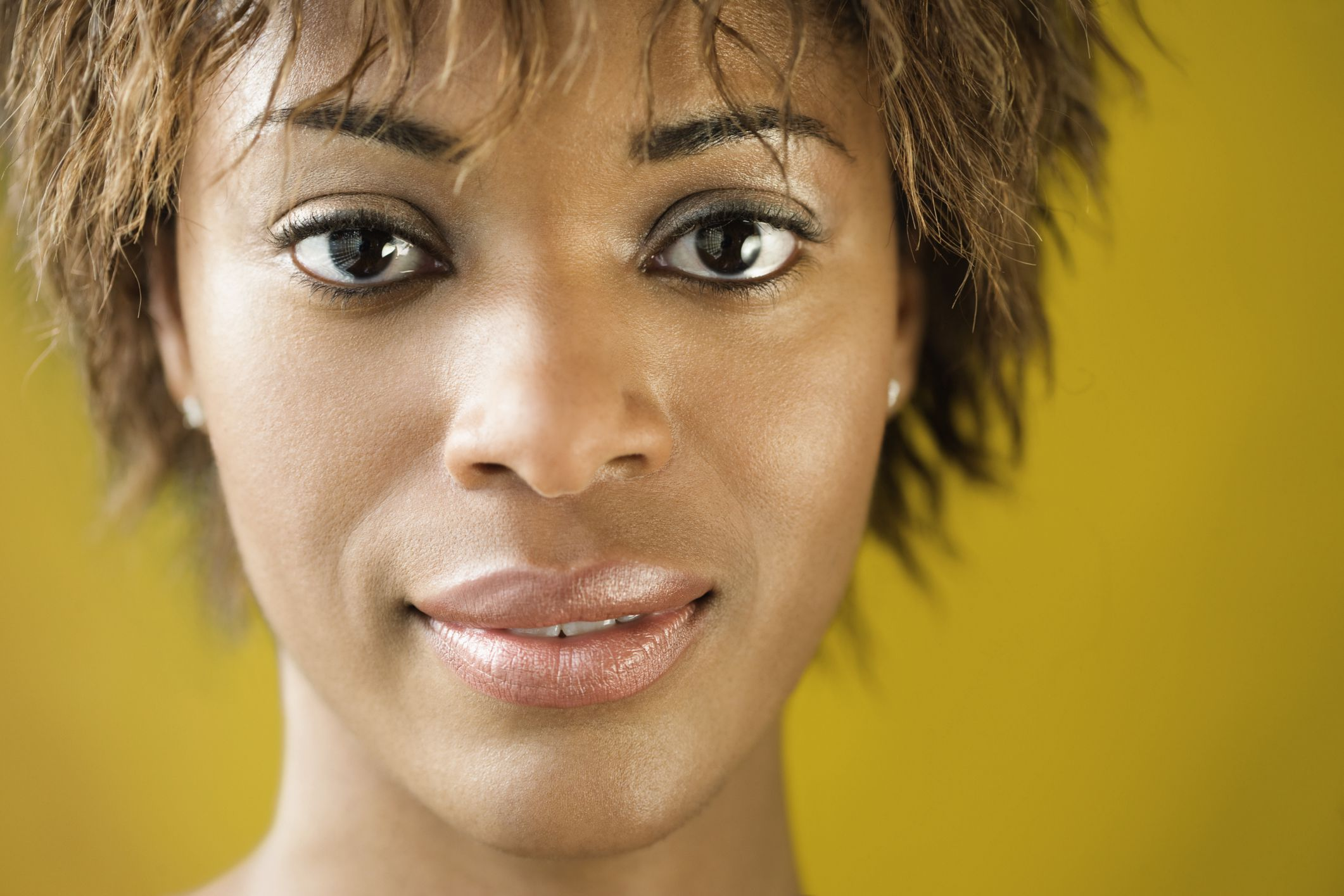 5 Signs A Relaxer Is Damaging Your Hair