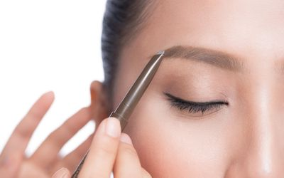 Eyebrow Tips for Redheads: Best Products & More