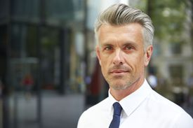 Cool Hairstyle for Men Over 50