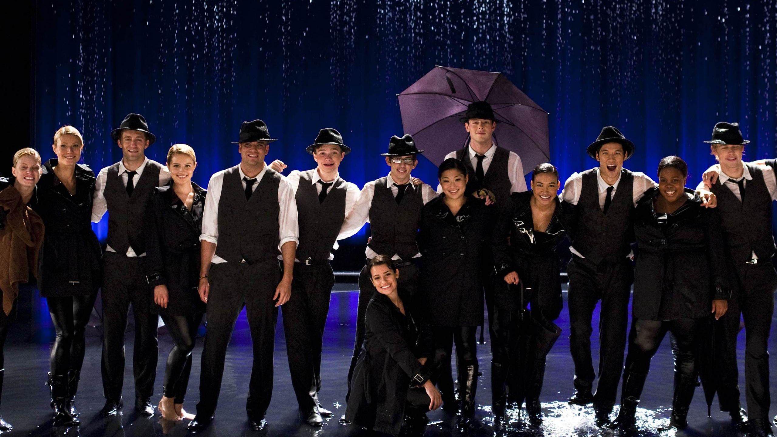 Glee Singing In The Rain Umbrella