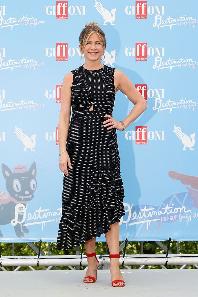 Jennifer Aniston attends the Giffoni Film Festival Day 9 photocall on July 23, 2016 in Giffoni Valle Piana, Italy.