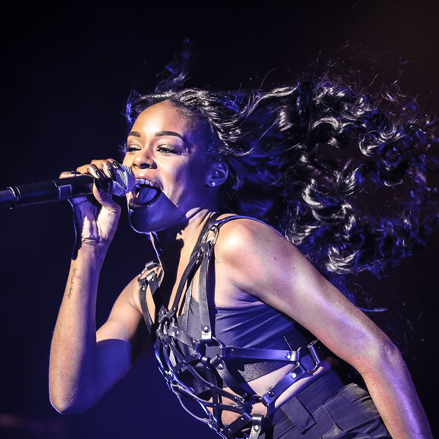 Azealia Banks performing