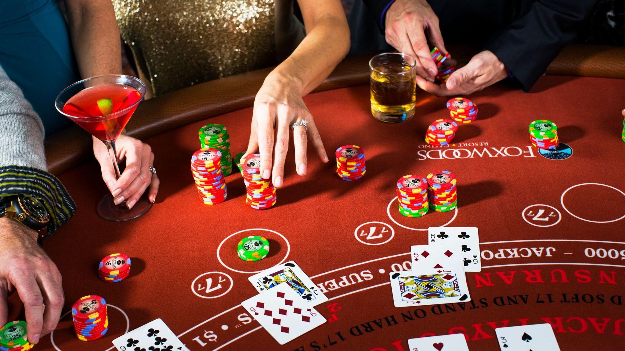 Advantages Gamblers Enjoy When They Choose To Play In Live Casinos