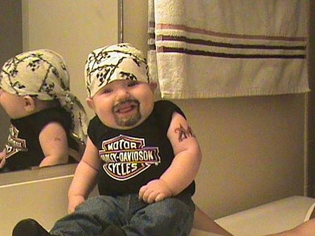 20 Funny Baby Costumes That Won Halloween