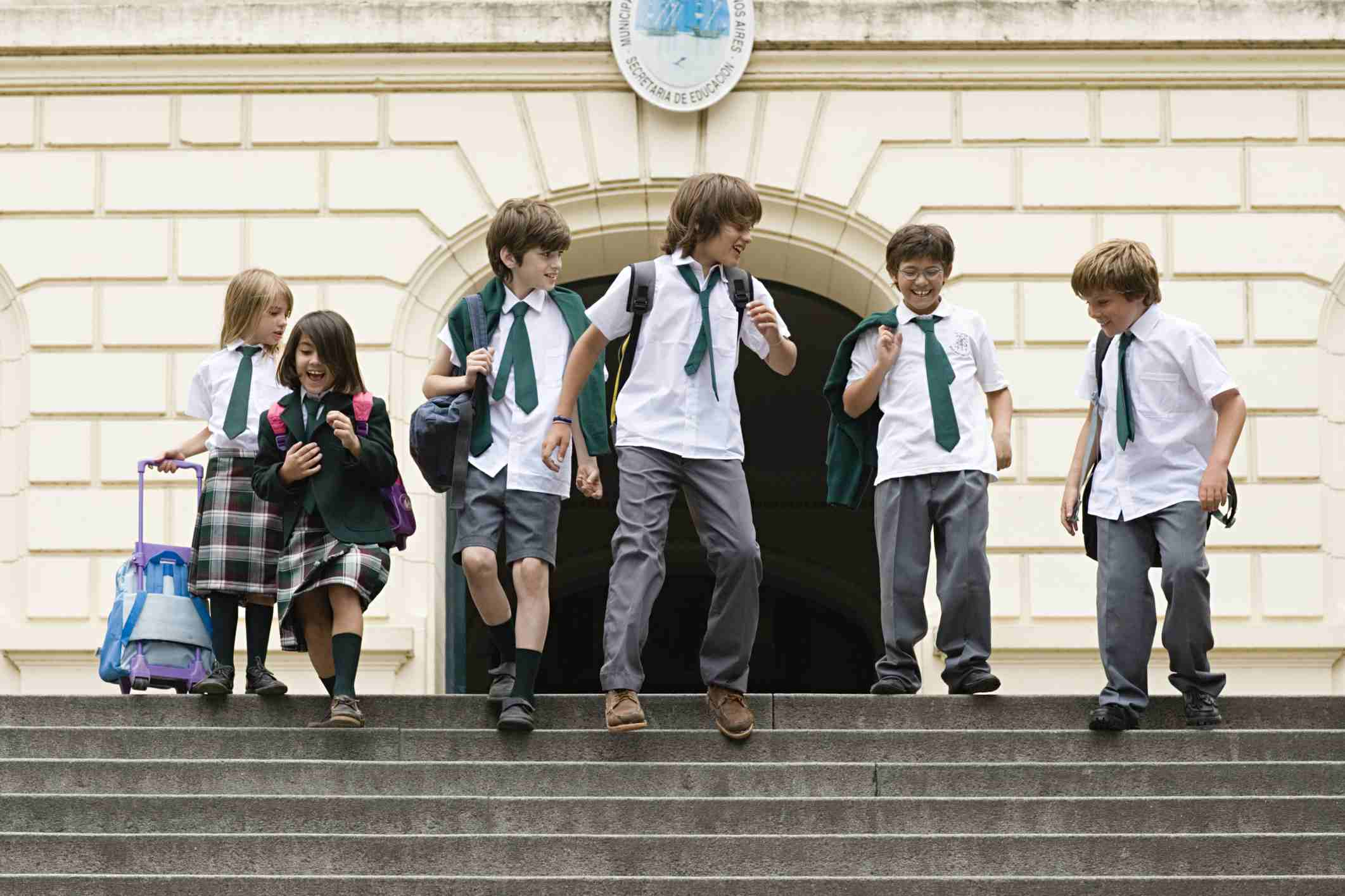 Arguments Against Wearing a School Uniform