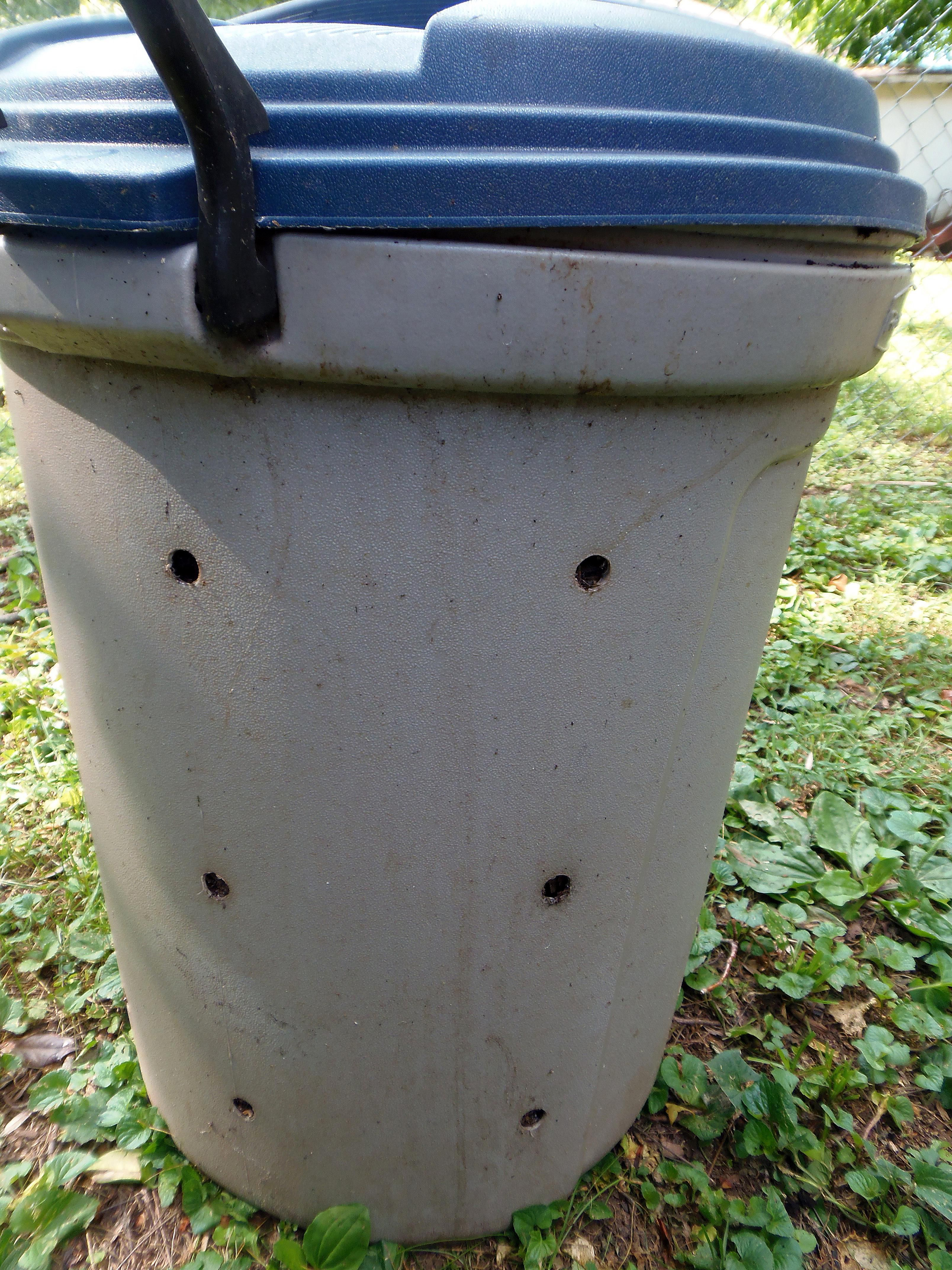Want a Compost Bin? Here's How to Make One From a Trash Can