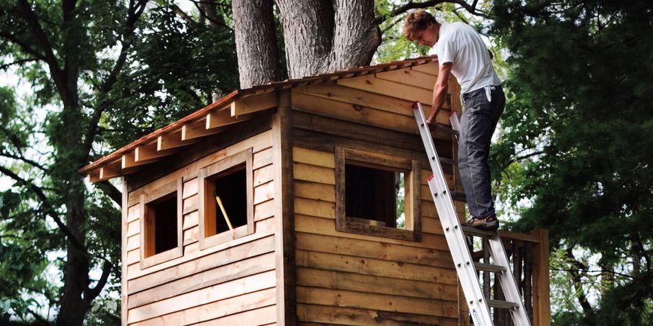 11 free diy tree house plans free tree house plan at popular mechanics malvernweather Choice Image
