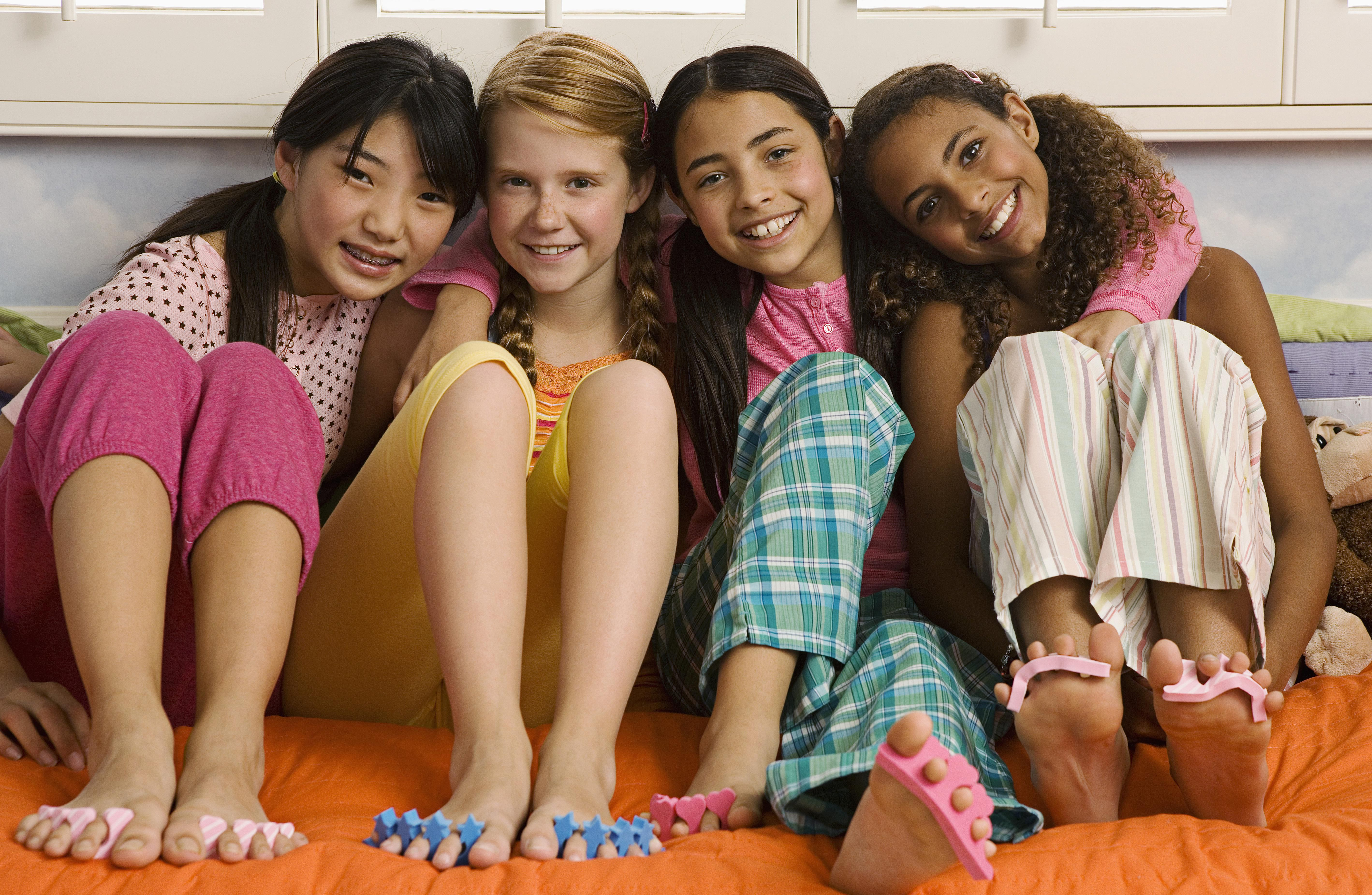 17 Sleepover Games That Are Quick, Easy, and Cheap