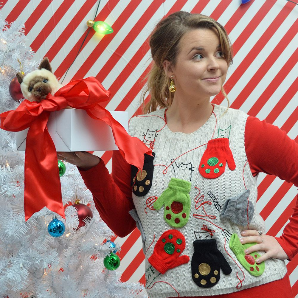 A Girl Has No Sweater Funny Christmas Maternity Shirt Gift Idea