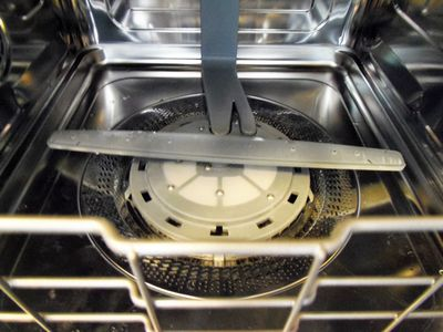 Cleaning And Maintenance Tips To Extend The Life Of Your Dishwasher