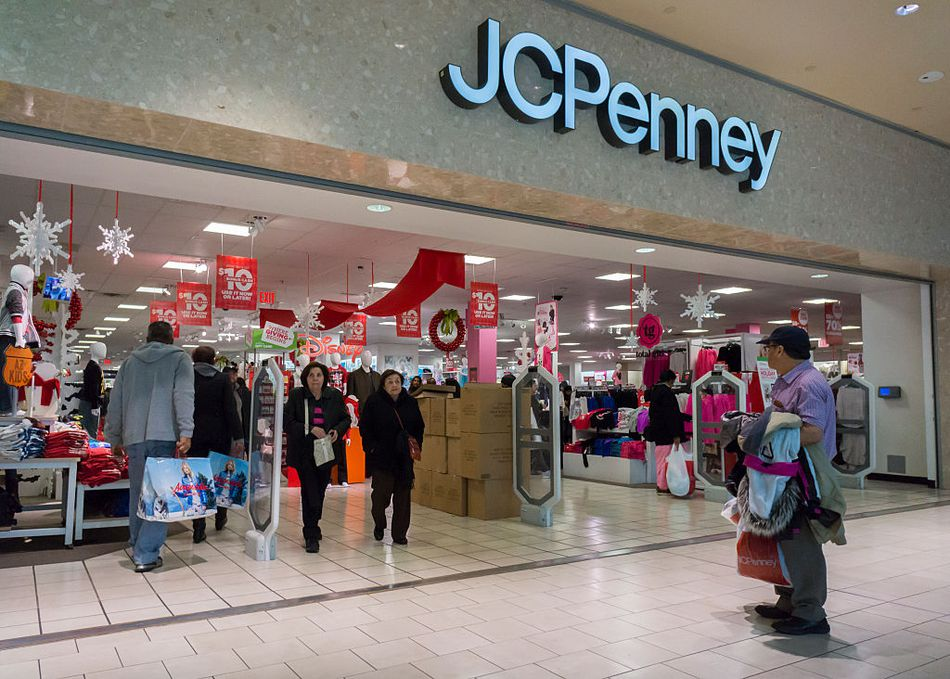 872a32f1 6 Stores That Will Have Black Friday Freebies in 2018