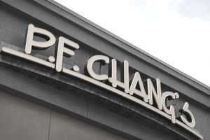 P.F. Chang's restaurant signage