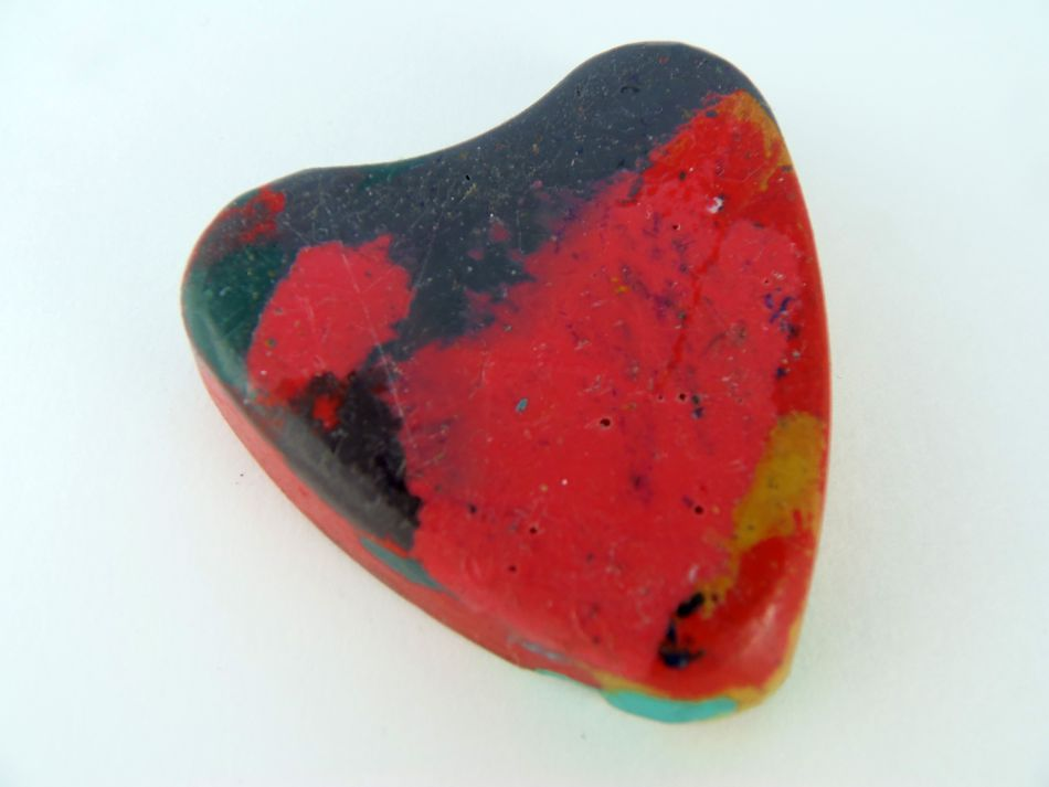Heart-shaped homemade crayon