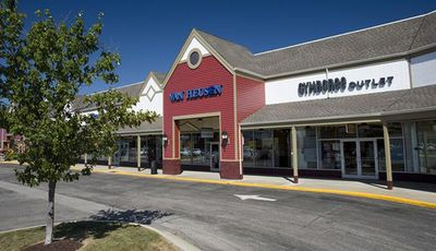 a202d4be4 Find Out Why People Like to Shop at Tuscola Outlet Shops · Philadelphia Premium  Outlets